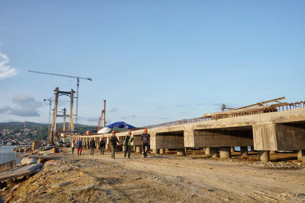 Jembatan Bahteramas Kendari. foto : (Bobi Nardi/kendariinfo)