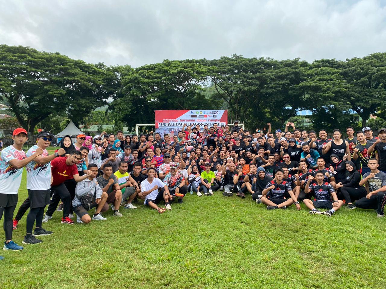 Foto bersama komunitas olahraga di Kendari, Minggu 23/2/2020.