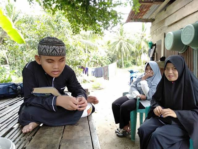 Bocah Tunanetra Hafal Al Quran 30 Juz di Mamuju