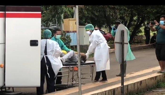 Penumpang Bus Primajasa Tewas, Dievakuasi ke RSUD Ciereng Subang. (screenshot video)