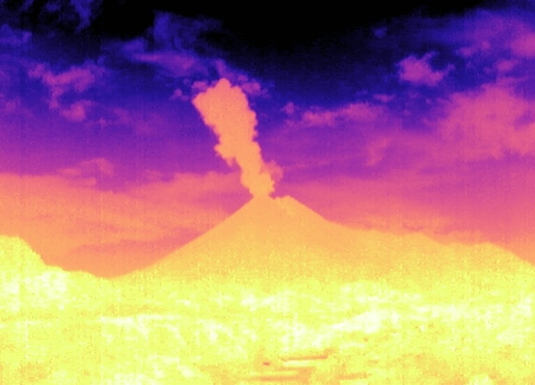 Gunung Merapi Meletus Lagi, Tinggi Kolom 1.500 Meter di Atas Puncak. (foto: BPPTKG)