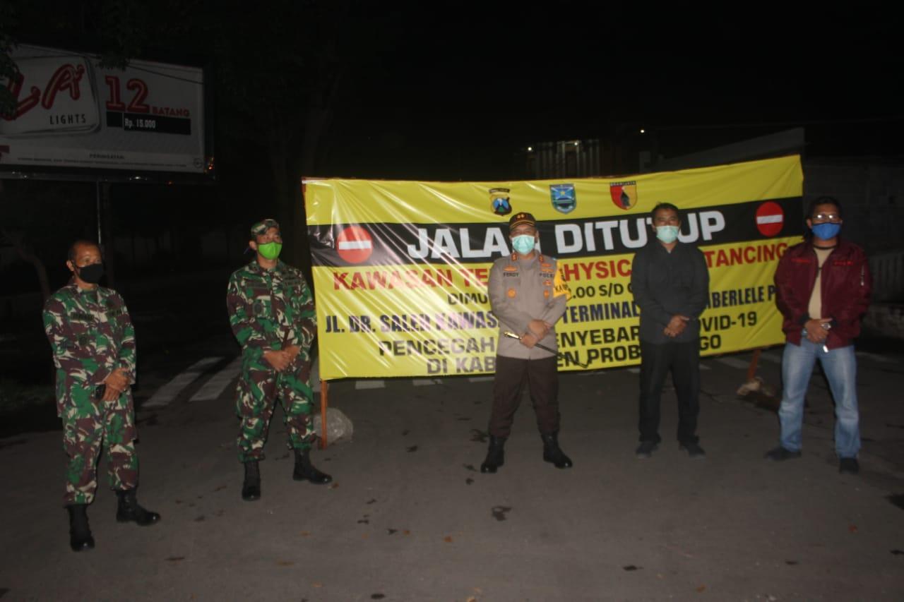 TNI Bersama Polri Pererat Sinergitas Tingkatkan Patroli Check Point di Wilayah Antisipasi Penyebaran Covid-19