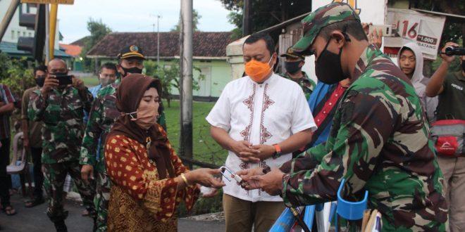 Dandim 0820 Probolinggo Resmikan Pemasangan Portal di Wilayah Kelurahan Sukabumi
