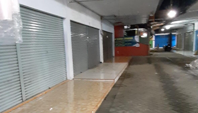 Putus Mata Rantai Penyebaran Covid-19, Pedagang Pasar Patuhi Pembatasan Jam Operasional
