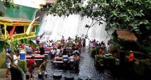 Keseruan Makan di Restoran Air Terjun Labasin di Filipina