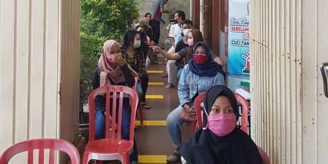 Putus Rantai Penyebaran Covid-19, Dept Store KDS di Kota Probolinggo Batasi Pengunjung dan Wajib Pakai Masker