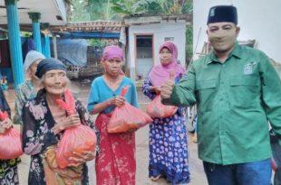 Partai PKB Kabupaten Probolinggo Beri Bantuan Sembako Ke Guru Ngaji dan Para Janda, Jelang Lebaran di Saat Pandemi Corona