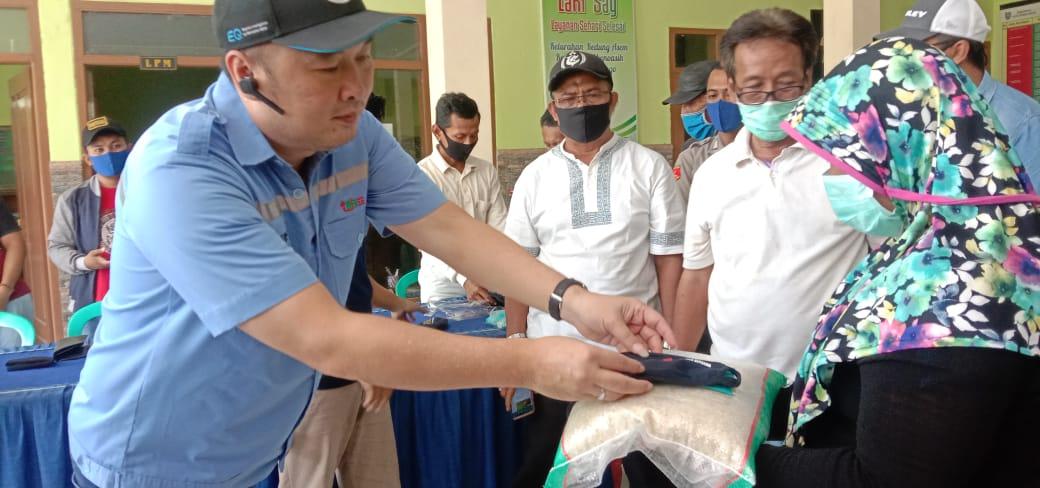 Meringankan Beban Ekonomi Saat Pandemi Corona, PT BJB Kota Probolinggo Gelontorkan 666 Paket Sembako Dan 1600 Masker