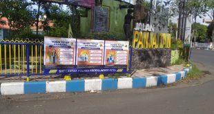Antisipasi Penyebaran Virus Corona dari Pemudik, Polres Probolinggo Kota Pasang Banner Larangan Mudik