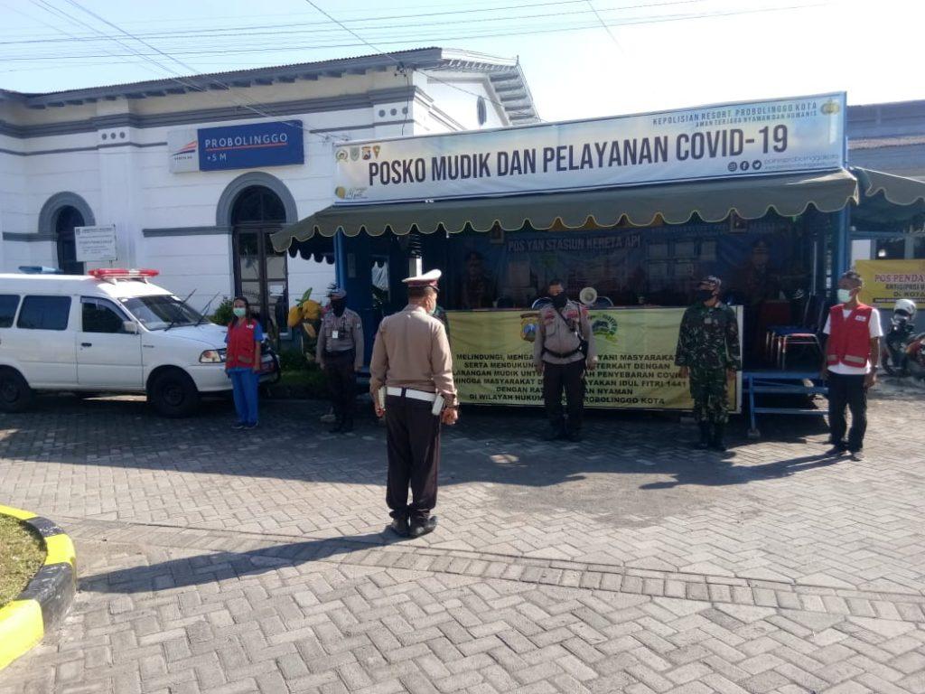 TNI-Polri Aktif Laksanakan Pam Posko Check Point Covid-19