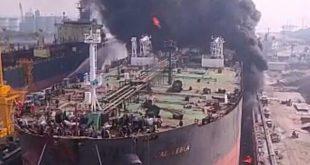 Kapal Tanker Terbakar di Pelabuhan Belawan Medan, Asap Pekat Membumbung