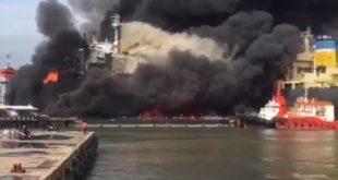 Kapal Tanker Jag Leela Terbakar di Pelabuhan Belawan Medan, Satu Korban Tewas