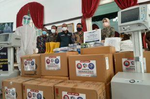 Tingginya Angka Pasien Covid-19 di Kabupaten Probolinggo Yayasan Rumah Kita Berikan Bantuan Peralatan Medis