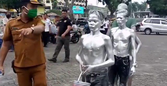 Tujuh Manusia Silver Terjaring Razia di Jalanan Kota Medan
