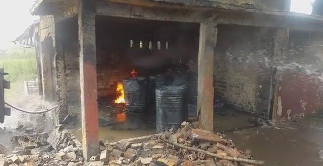 Gudang Penimbunan Minyak Terbakar di Ogan Ilir