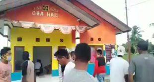 Warga Maluku Tengah Gerebek Pesta Miras di Kantor Desa. (screenshot)