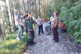 Koramil Sukapura Dampingi Team Monev di Desa Binaan Kecamatan Sukapura Kabupaten Probolinggo