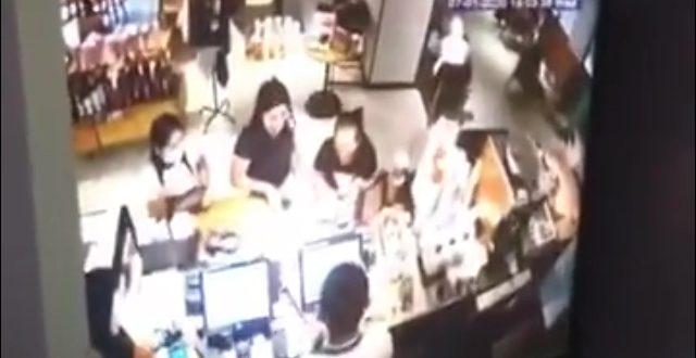 Pegawai Starbucks Intip Payudara Pelanggan Via CCTV