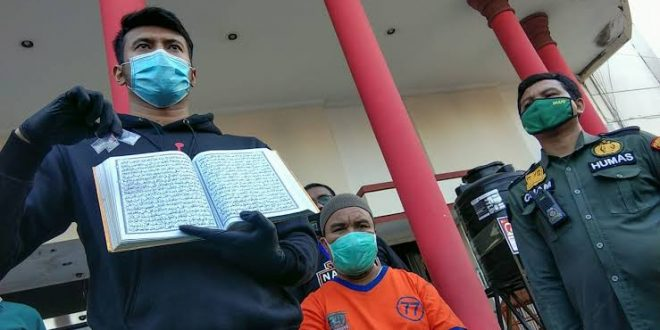 Pengedar Narkoba Simpan Sabu dalam Al-Qur'an Ditangkap di Surabaya