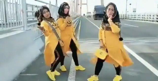 Tiga Emak-emak Main TikTok di Suramadu, Didenda Rp 500.000