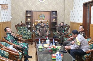 Pejabat Baru Kajari Kabupaten Probolinggo Kunjungi Makodim 0820 Probolinggo