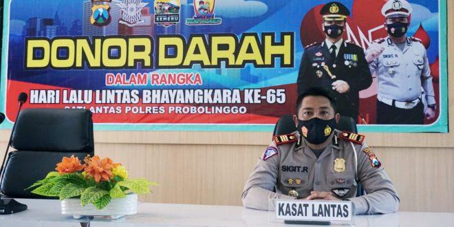 Pandemi Corona Stok Darah Menipis, Anggota Satlantas Polres Probolinggo Donorkan Darah