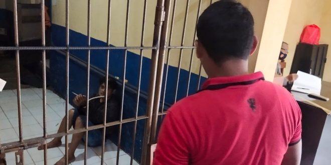 Raja Hipnotis Spesialis Konter Ponsel Di Kota Probolinggo Tertangkap Dan Diamuk Massa