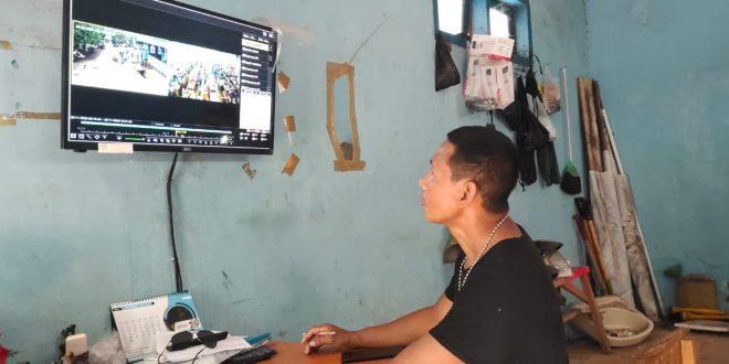 Perempuan Setengah Baya Tertangkap Curi Ikan Di Pasar PPI Mayangan Kota Probolinggo Berkat Kamera CCTV