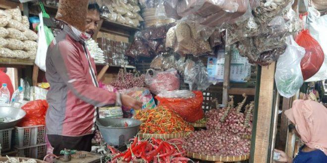 Jelang Nataru Harga Cabe Rawit dan Cabe Merah Besar di Pasar Tradisional Kota Probolinggo Naik 2 Kali Lipat