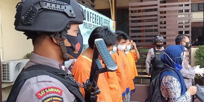 Driver Ojol Dan Travel Di Kota Probolinggo Ditangkap Edarkan Sabu