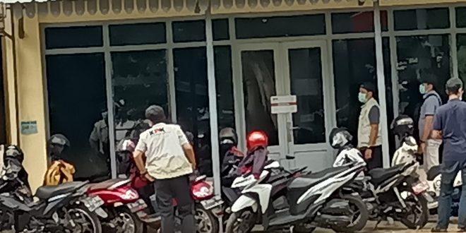 KPK Kembali Periksa 13 Saksi Kasus Gratifikasi Dan TPPU Tersangka Bupati Probolinggo Di Mapolres Probolinggo Kota